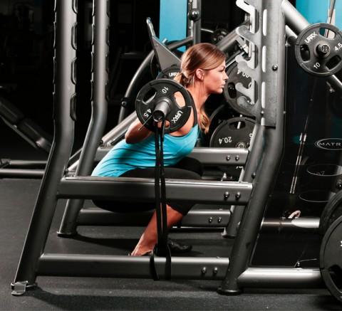 Kaip naudoti juostas norint sustiprėti ir užsiauginti didesnę raumenų masę